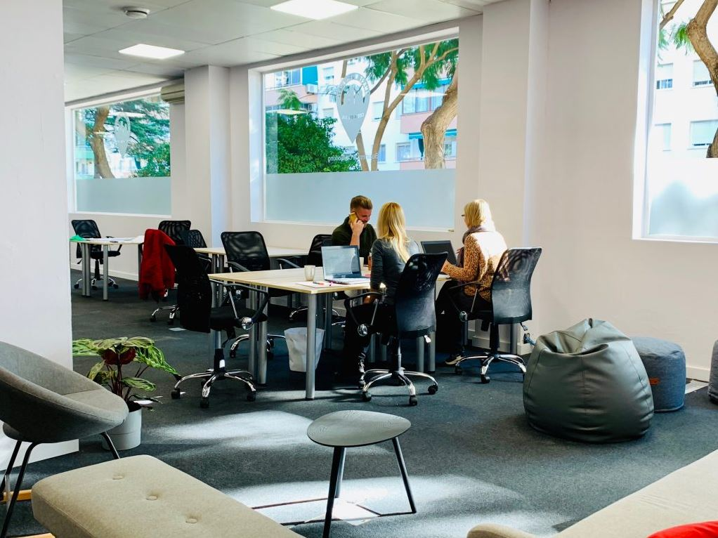 SmartWorkPlaza - Business and Coworking Center, Fuengirola.
